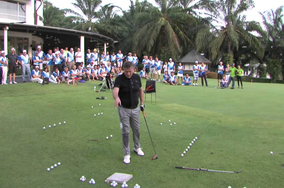 Le World Trick Shot avec Geoff Swain au Royal Golf Dar Es Salam