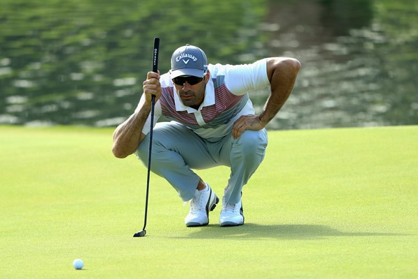 Alvaro Quiros keeps the lead in the third round of the Trophy